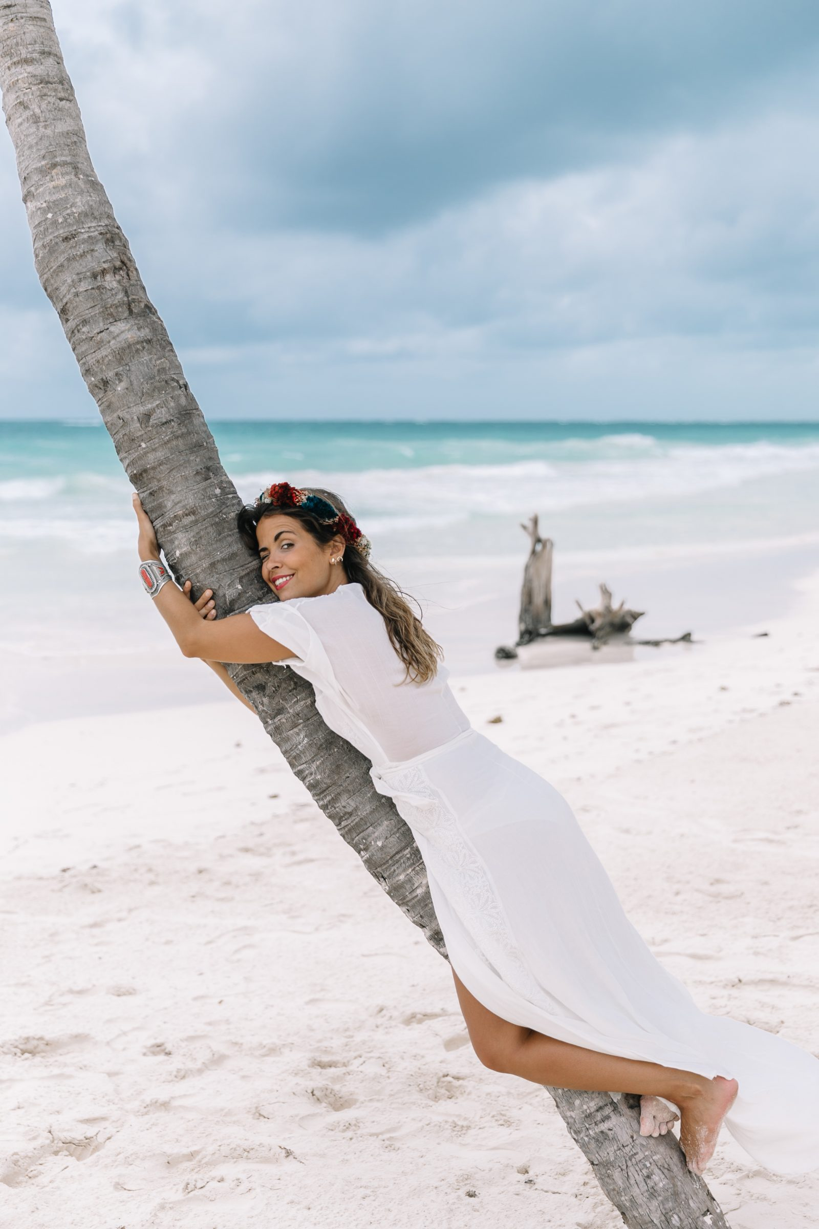 white_long_dress-boho_style-tulum_mexico-beach-floral_crown-outfit-collage_vintage-5