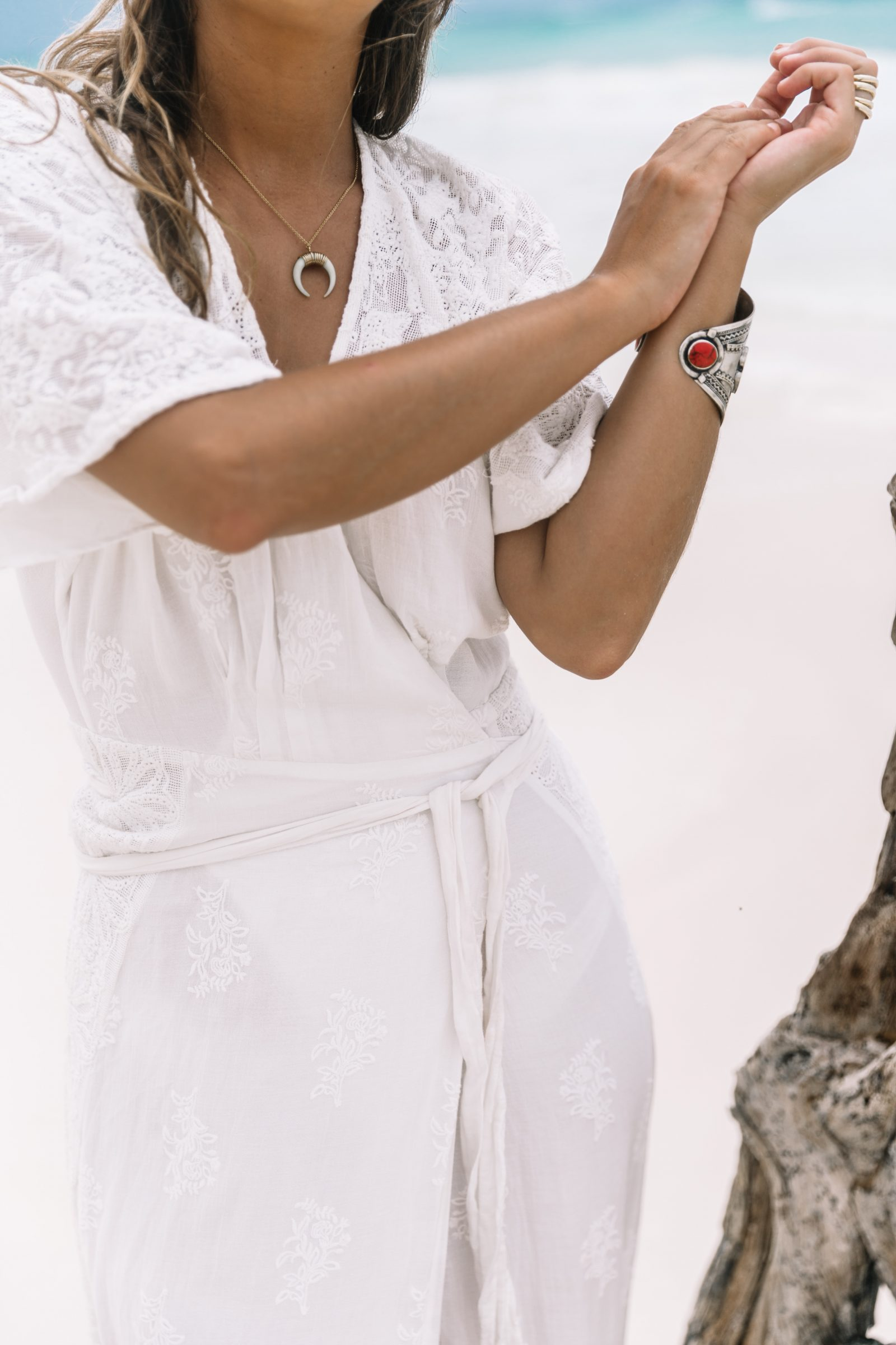 white_long_dress-boho_style-tulum_mexico-beach-floral_crown-outfit-collage_vintage-70