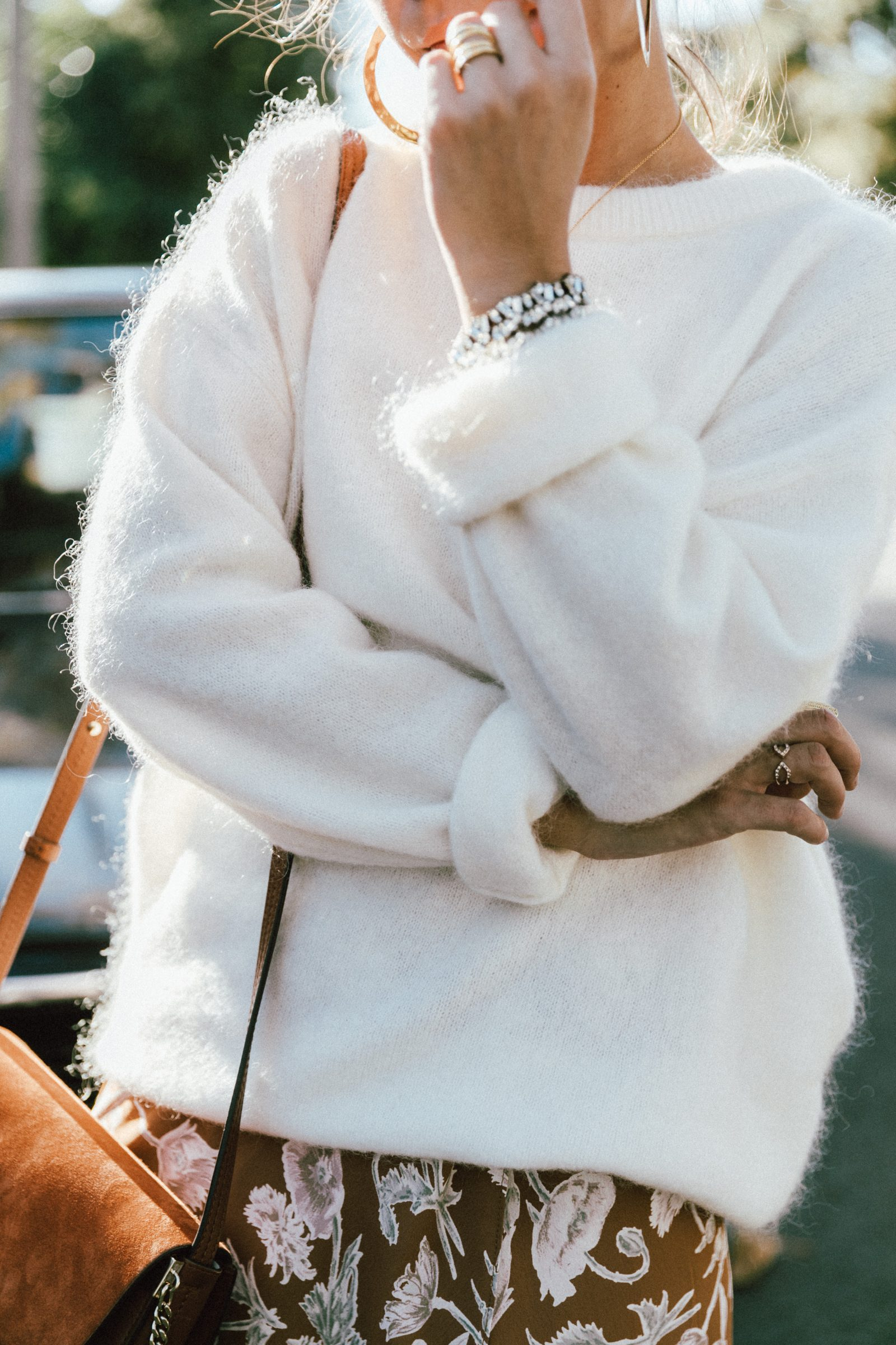 Vintage Winter Outfit Idea Style with Converse Shoes - Outfit Ideas HQ Winter vintage fashion ideas