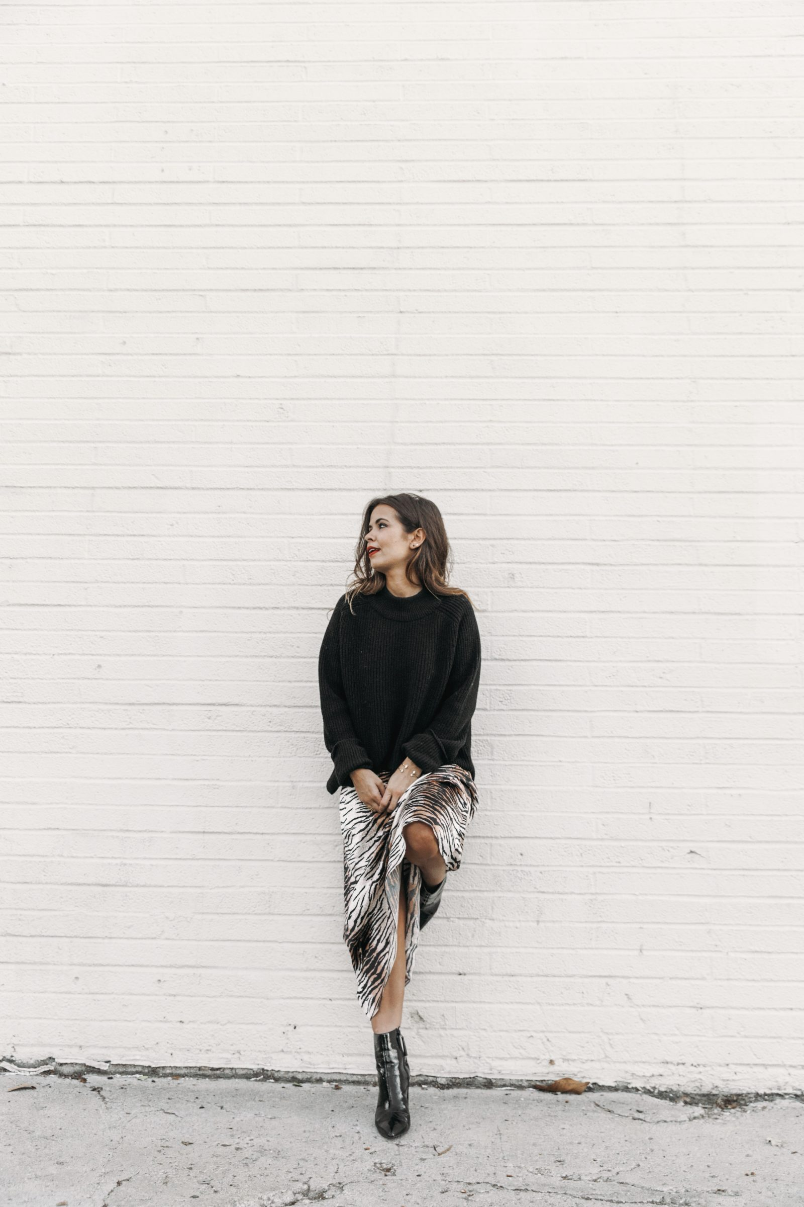 mark_and_spencer-alexa_chung_collection-animal_print_long_dress-black_trench-black_booties-knitt_jumper-outfit-la-street_style-collage_vintage-maxi_dress-96