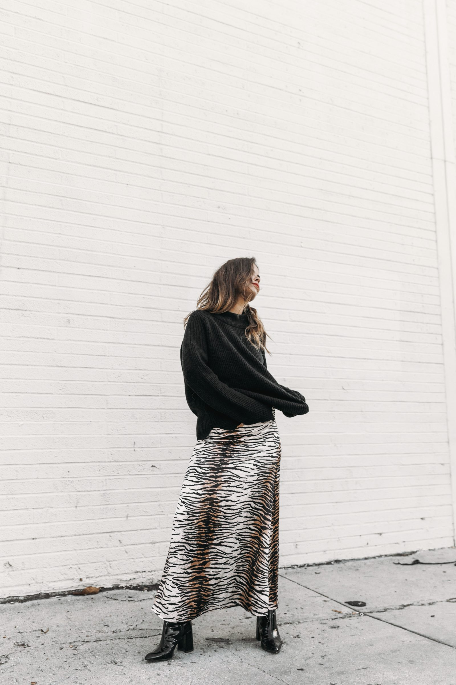 mark_and_spencer-alexa_chung_collection-animal_print_long_dress-black_trench-black_booties-knitt_jumper-outfit-la-street_style-collage_vintage-maxi_dress-98