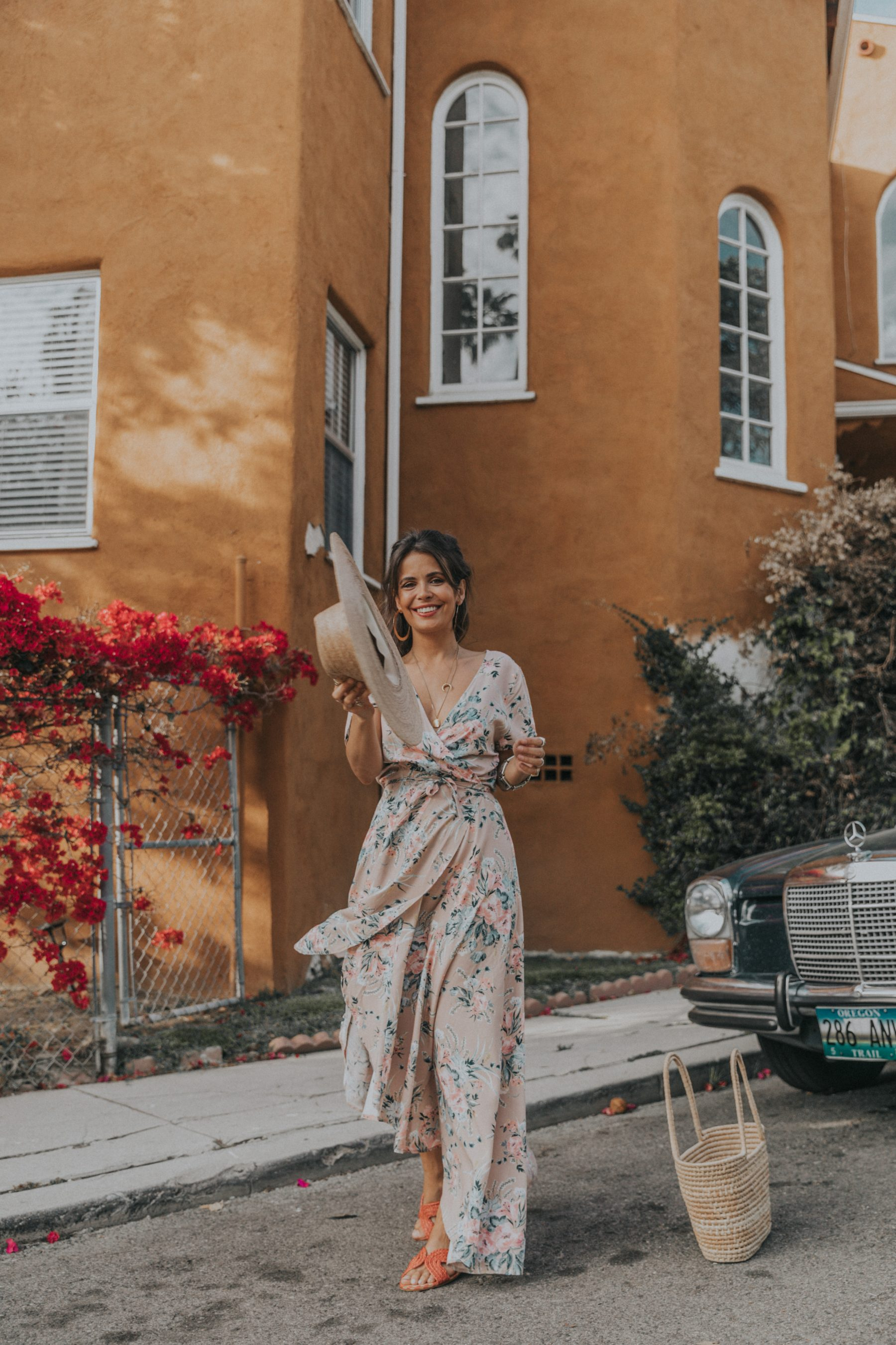 Fashion blogger Sara Escudero of Collage Vintage wearing Auguste the label summer floral dress