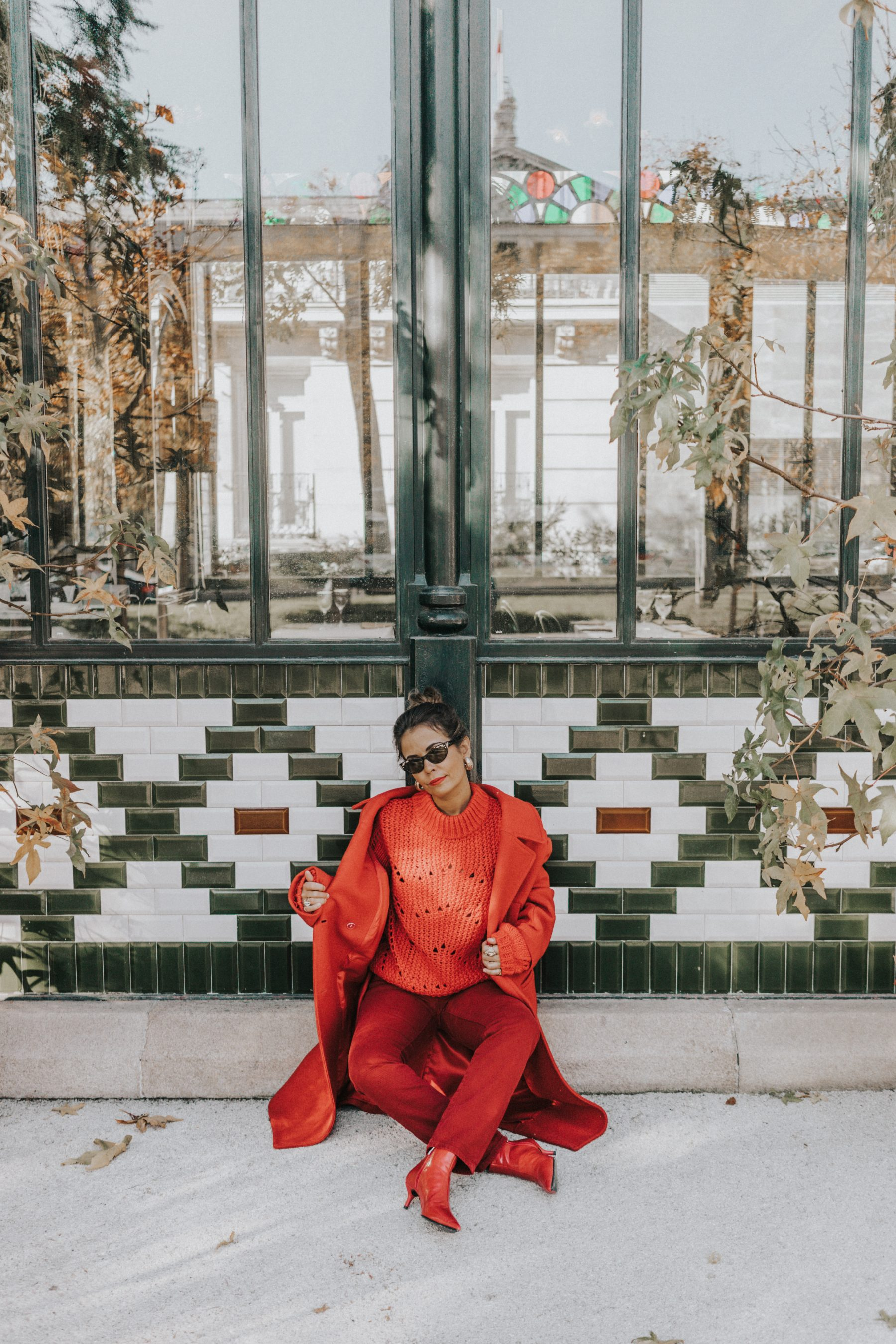 Total red outfit wearing H&M
